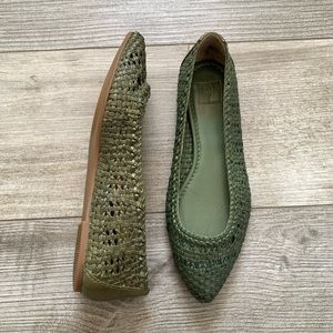 FRYE Pointed Woven Flats Sz 8